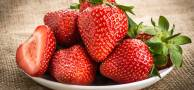 Benefits-Of-Strawberry-Seed-Oil