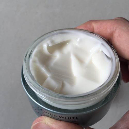 Algenist Genius White Brightening Anti-aging Cream.jpg